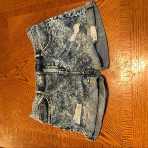 Acid wash denim short. Great condition.